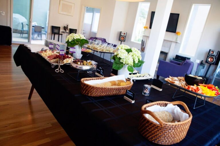 Tips for Hosting a Cocktail Party